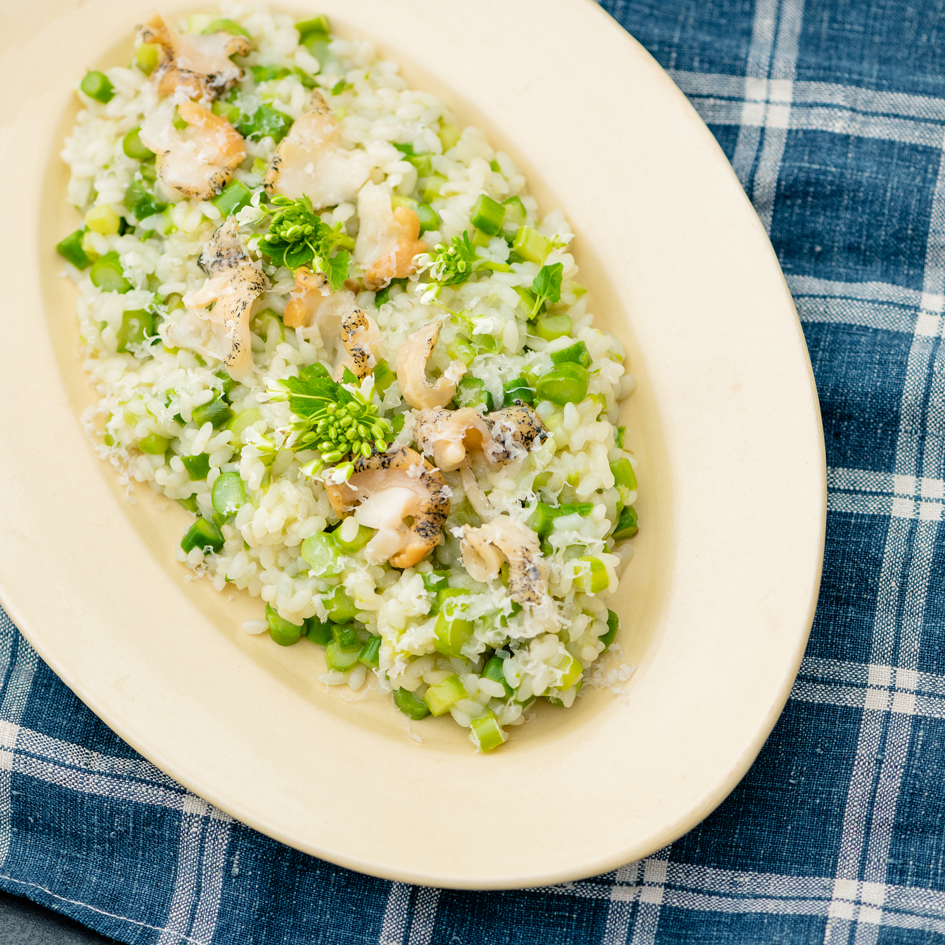 春らしい、贅沢な一皿。<br/>Vol.3 グリーンアスパラガスと活つぶ貝のリゾット