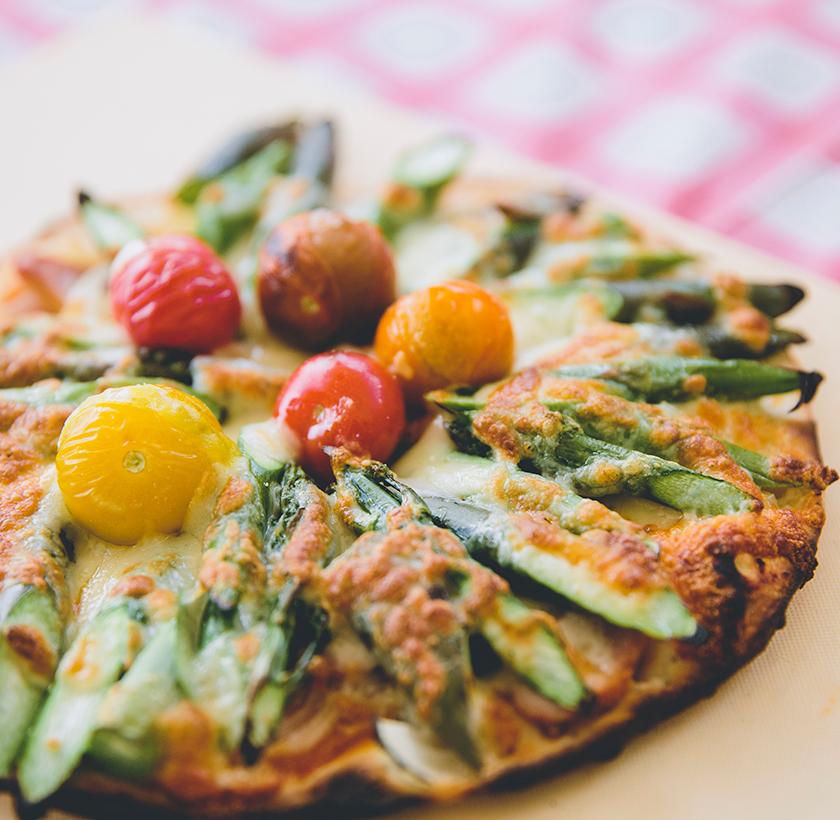 自宅でも旬の野菜を使ってピザ作りに挑戦!