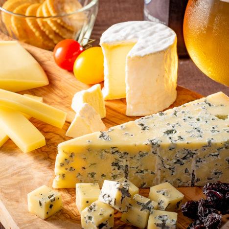 北海道のワインやお酒とあわせたい!<br />北海道チーズたち。