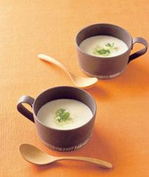 白みそ風味のポテトスープ