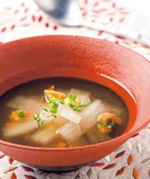 大根と干しエビのスープ