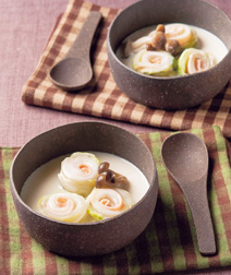 白菜ロールのクリームスープ