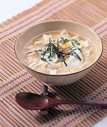 豆腐とポーチドエッグの雑炊