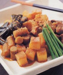 豚肉と根菜のみそ煮込み