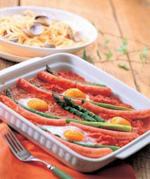 グリーンアスパラガスと卵のオーブン焼