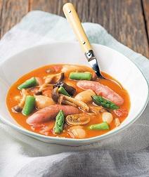 きのことソーセージのトマトスープ