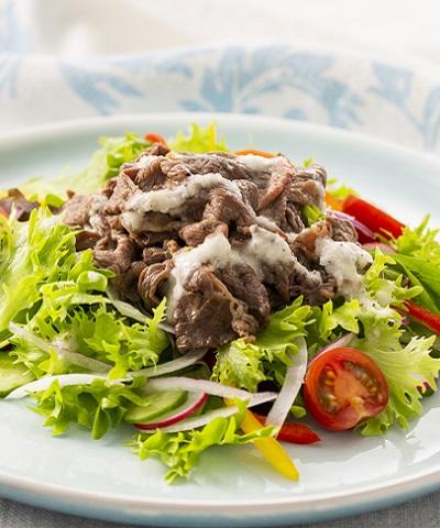 牛肉のオイル漬け サラダ仕立て