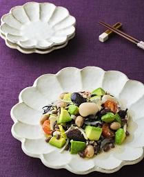 いろいろ豆とアボカドのマリネ