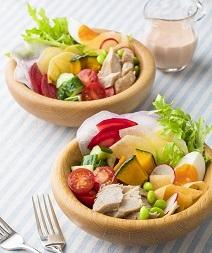 手づくりツナと夏野菜のコブサラダ